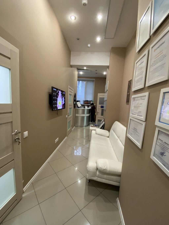 Зона ожидания стоматологической клиники ДЕНТА по адресу ул. Инженерная